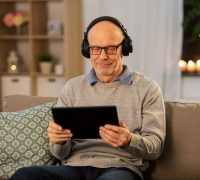 4 Senior-Friendly Technology Options to Keep Families Connected